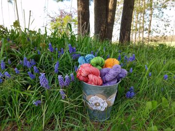 Picture of Bucket Bouquet Mini Set
